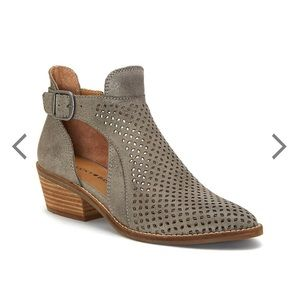 111f1681dc9 Lucky Brand Shoes - Lucky Brand Fillian Bootie 9.5